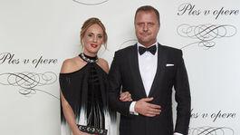 Podpredseda Národnej rady SR Andrej Hrnčiar s manželkou.