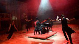 Program úvodného ceremoniálu dostal názov Kabaret Mozart.