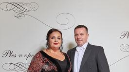 Renata Nazlerova  moderatorka a Renáta Názlerová s partnerom