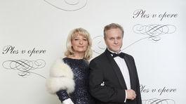 Spevák Janko Kuric a jeho manželka Simona Bubánová.