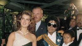 Rok 1984. Spevák Michael Jackson