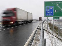 Slovensko s diaľnicami zaostáva za susedmi