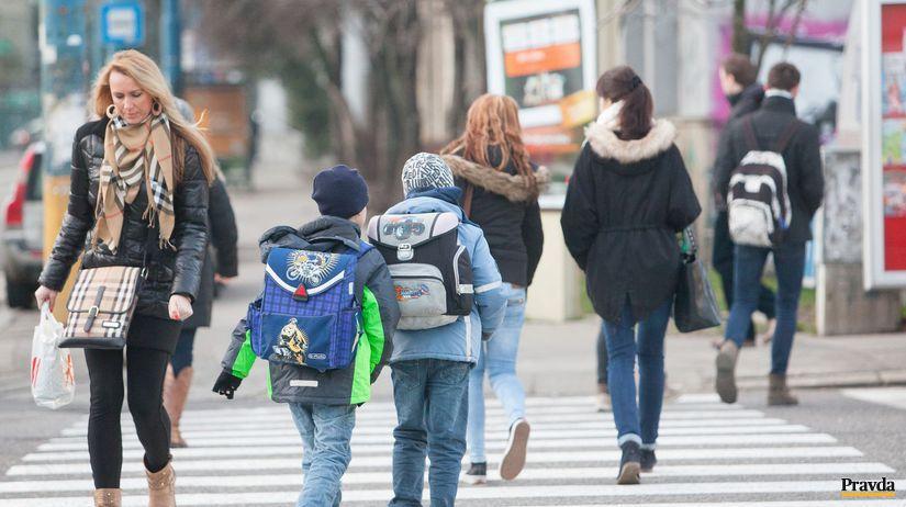 priechod pre chodcov, deti, chodci