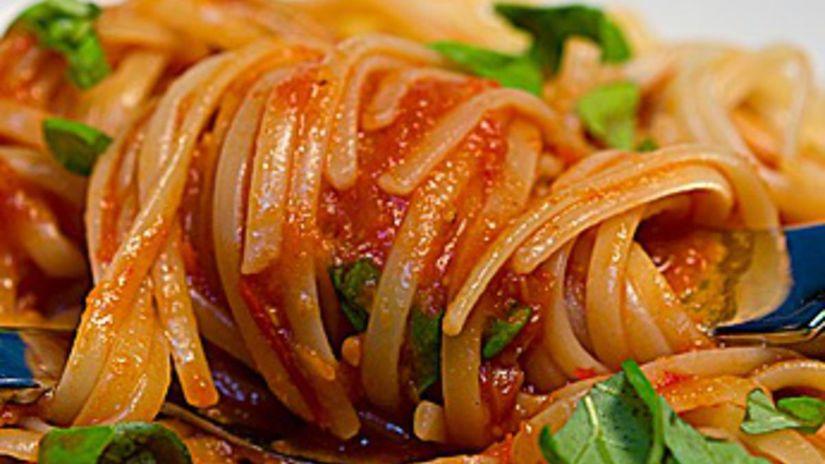 Linguine s omáčkou z pečenej zeleniny