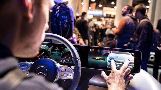 Mercedes-Benz: Stuttgart kapituloval. Má dotykové rozhranie MBUX