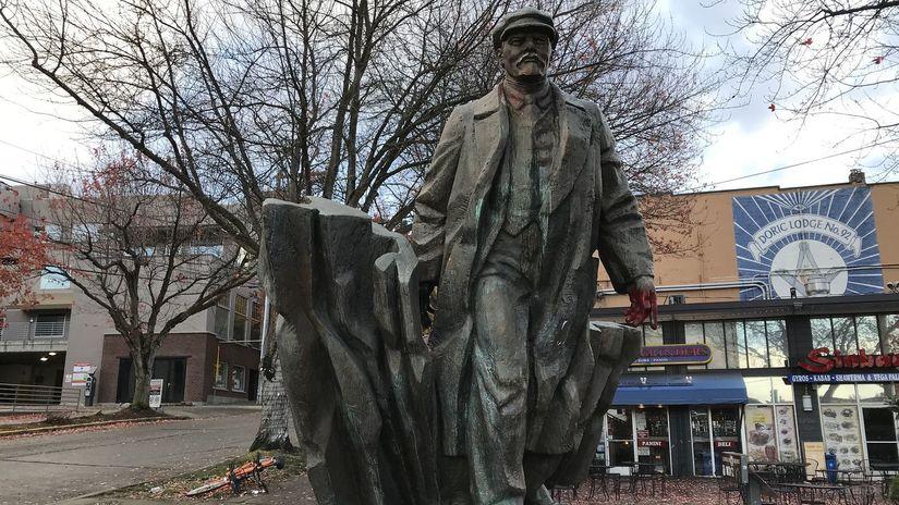Lenin, socha,