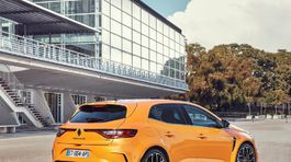 Renault-Megane RS-2018-1024-3d