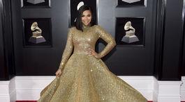 Speváčka Ashanti si obliekla šaty Yas Couture by Elie Madi.