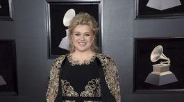 Speváčka Kelly Clarkson si obliekla model Christian Siriano.
