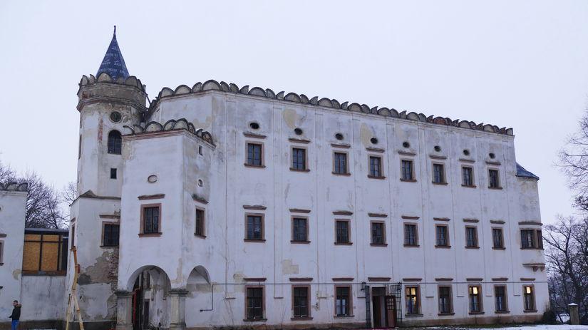Kaštieľ v Moravanoch