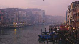 Benátky, gondoly, kanál, Taliansko