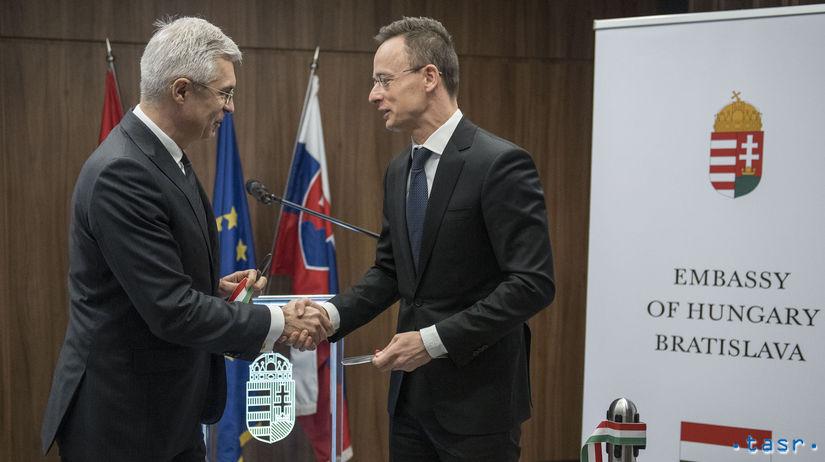 Péter Szijjártó  Ivan Korčok