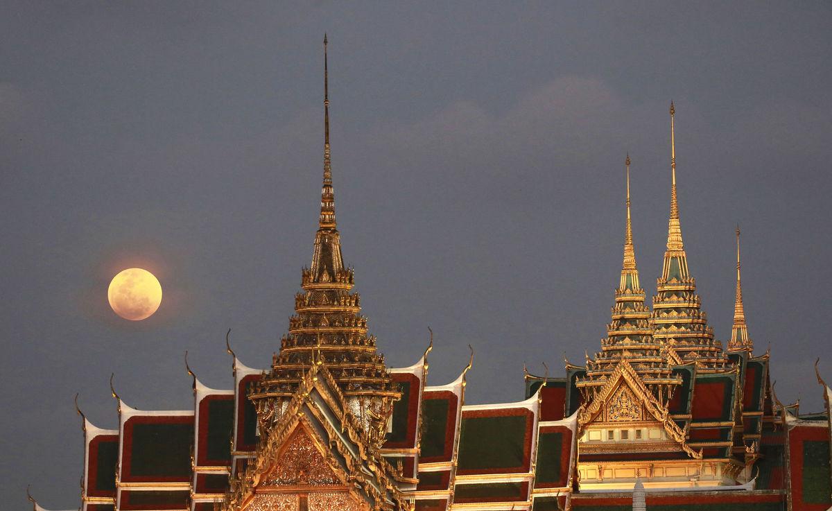 Thajsko, Bangkok, Mesiac