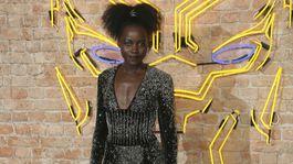 Herečka Lupita Nyong'o na premiére filmu Čierny panter.