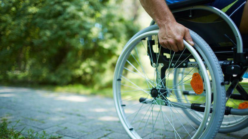 invalidný vozík, vozíčkar,