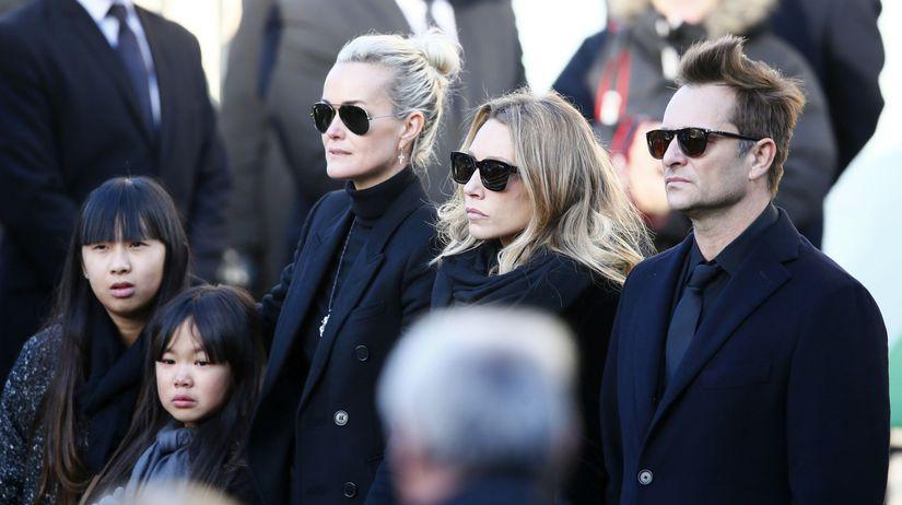 Laeticia (v strede), jeho dcéra Laura Smet a...