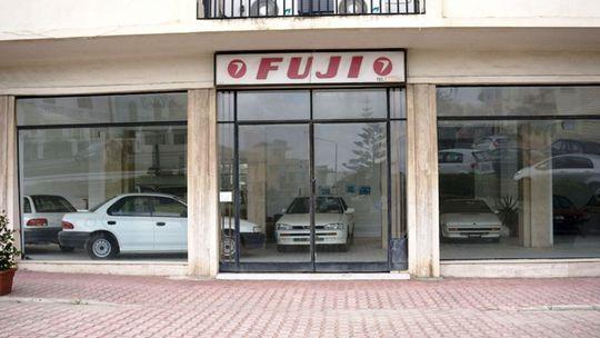 V tejto predajni Subaru sa zastavil čas. Autá tu stoja 20 rokov