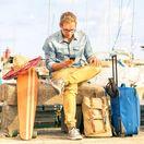 cestovanie, dovolenka, cestovateľ, hipster, kufre, skateboard, batožina, mobil, leto, internet, sombrero,