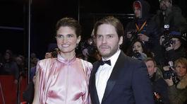 Herec Daniel Bruehl a jeho priateľka Felicitas Rombold.