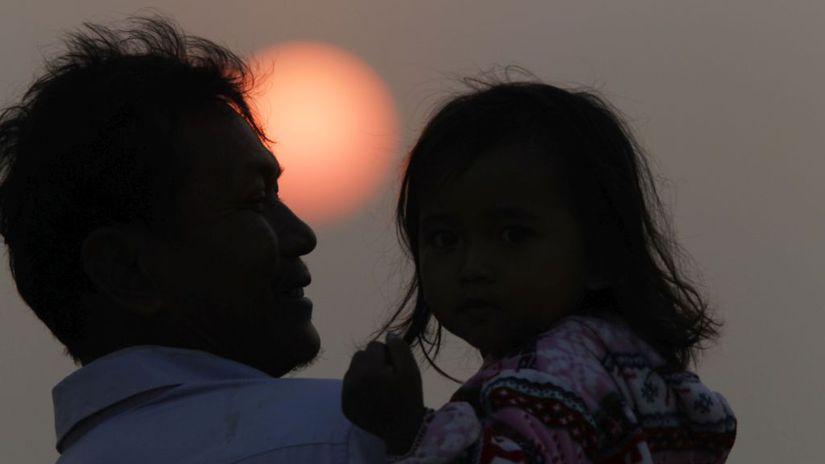 Foto týždňa (7): Fenomenálna Nasťa, otec a dcéra v Kambodži, čln v Španielsku