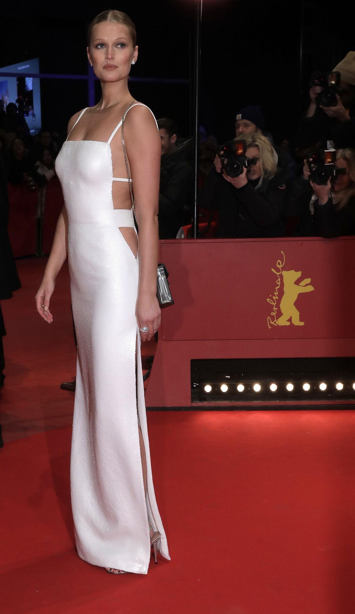 Nemecká modelka Toni Garrn pózuje na berlínskom...