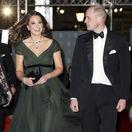 Vojvodkyňa Catherine z Cambridge v tmavozelených šatách Jenny Packham. Na snímke aj s manželom princom Williamom.