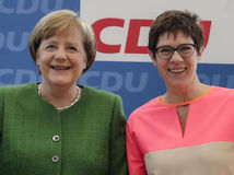 Angela Merkelová Annegret Krampová-Karrenbauerová