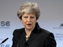 Mayová varuje konzervatívcov: Brexit vôbec nemusí byť