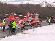 Pri Spišskom Bystrom narazilo auto do detí, z 12 zranených sú dve ťažko
