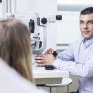 oftalmológ, očný lekár, oko, zrak, vyšetrenie