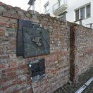 Poľsko Varšava geto múr pamiatka