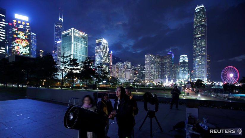 Hongkong, mesto, ďalekohľady, spln