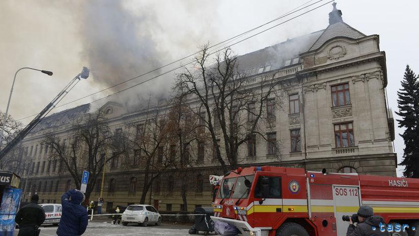 SR, požiar, strecha, hasiči, Daňový úrad, Košice