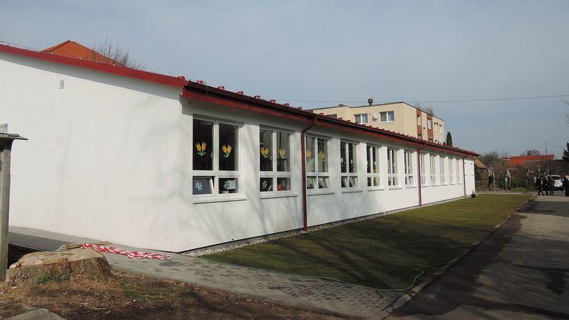Stupava, Základná škola