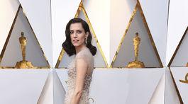 Herečka Allison Williams prichádza na vyhlásenie cien Oscary v Los Angeles.