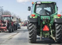 polícia doprava Šamorín obmedzenie protest, traktor