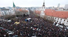 namestie SNP, Pochod Postavme sa za slušné Slovenskko