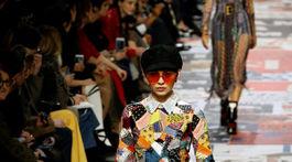 Modelka v kreácii značky Christian Dior - v kolekcii jeseň-zima 2018/2019.