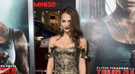Herečka Alicia Vikander prišla na premiéru v kreácii Louis Vuitton.