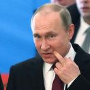 160 lietadiel, 500 obrnencov a 10 lodí. Putin prisľúbil modernizáciu armády a varoval dodávateľov