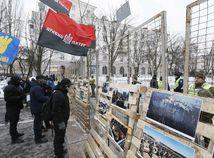 Ruské konzuláty na Ukrajine blokuje polícia aj nacionalisti, Rusi nemôžu hlasovať