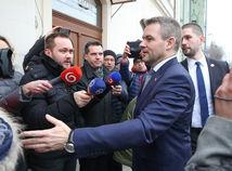 ONLINE: SNS aj Most-Híd podporia Pellegriniho vládu, v hre o post ministra vnútra je aj Tomáš Borec