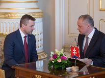 Kiska sa stretol s Pellegrinim a prijíma kandidátov na ministrov. Kedy vymenuje novú vládu?