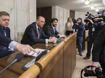 Fico je v hospodárskom, Kaliňák v ústavnoprávnom výbore. Parlament v piatok o dôvere nehlasoval