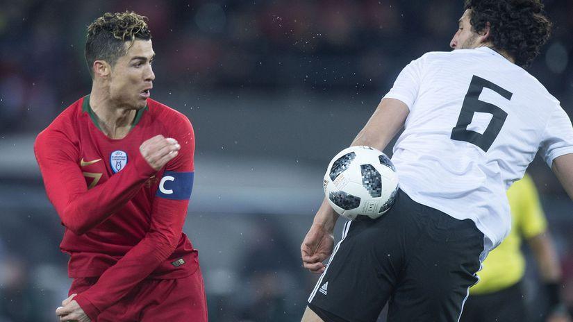 Cristiano Ronaldo, Ahmed Hegazy,