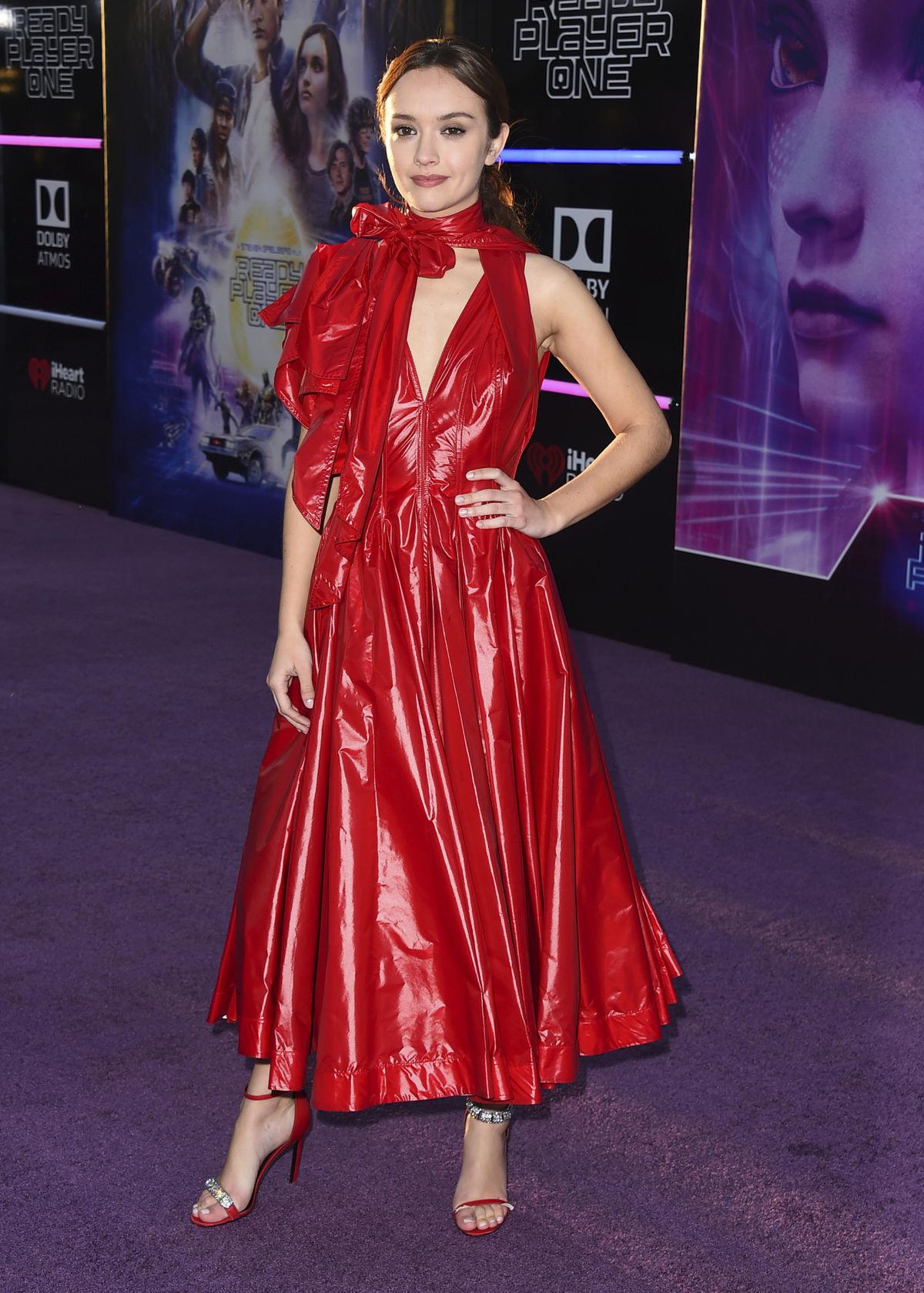 Herečka Olivia Cooke v kreácii Calvin Klein.
