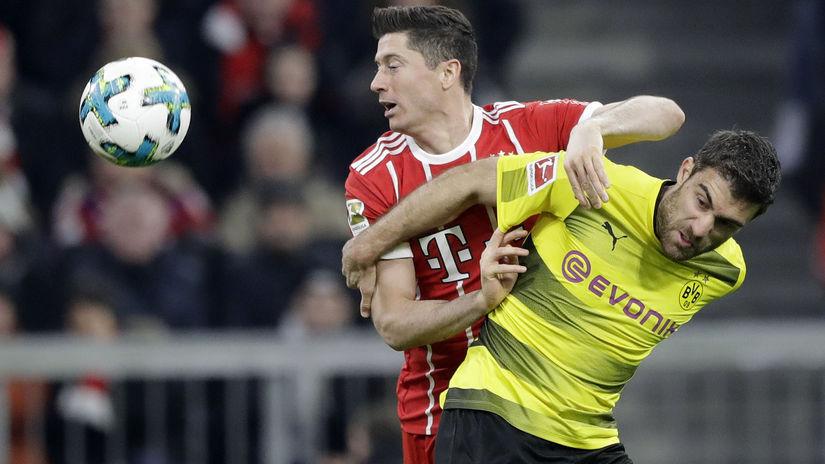 Germany Soccer Bundesliga Lewa
