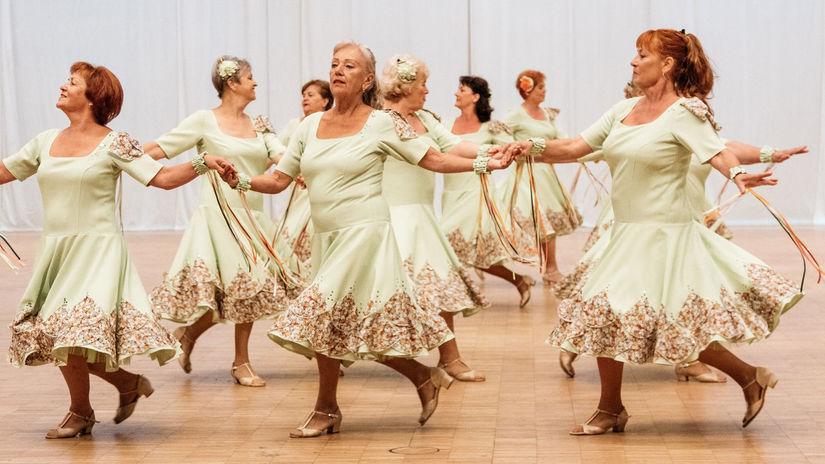 cvičenie v zrelom veku, tanec