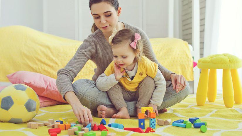 matka, dieťa, hračky,