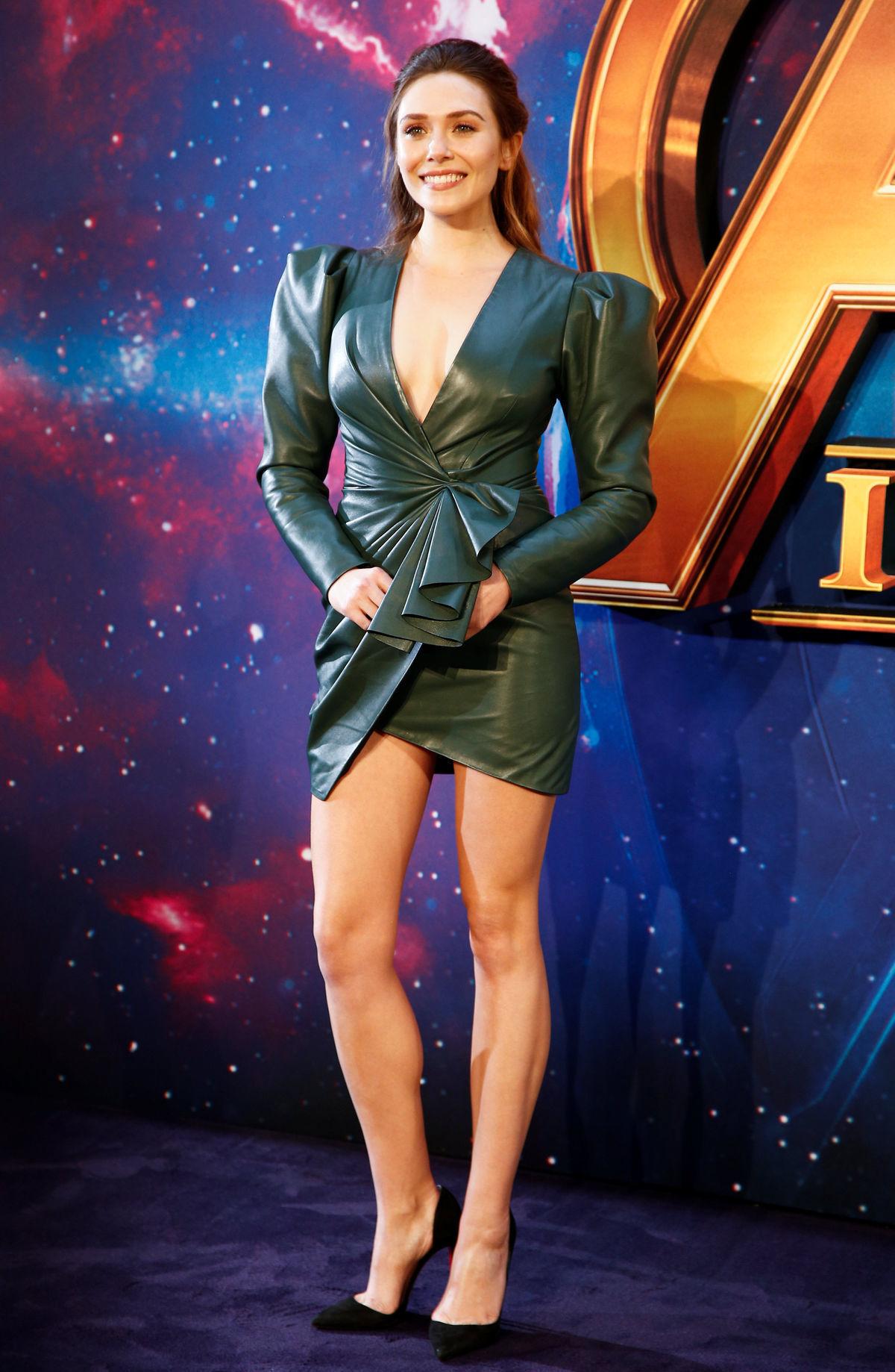 Herečka Elizabeth Olsen v kreácii Alexandre...